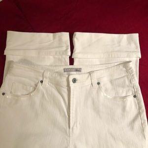 CHICO'S Platinum capri jeans w/sequins. Sz. 2 (12)